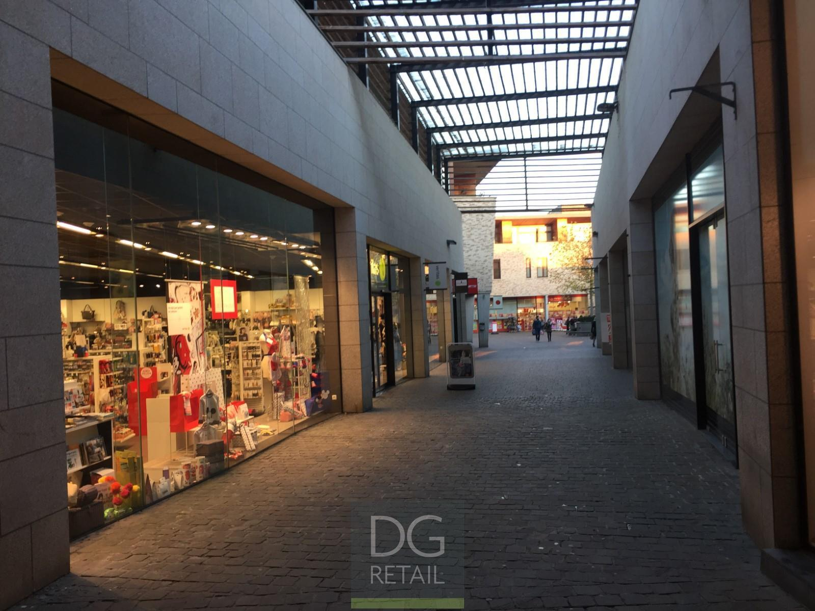commercieel centrum te huur Shopping Julianus  Clarissenstraat