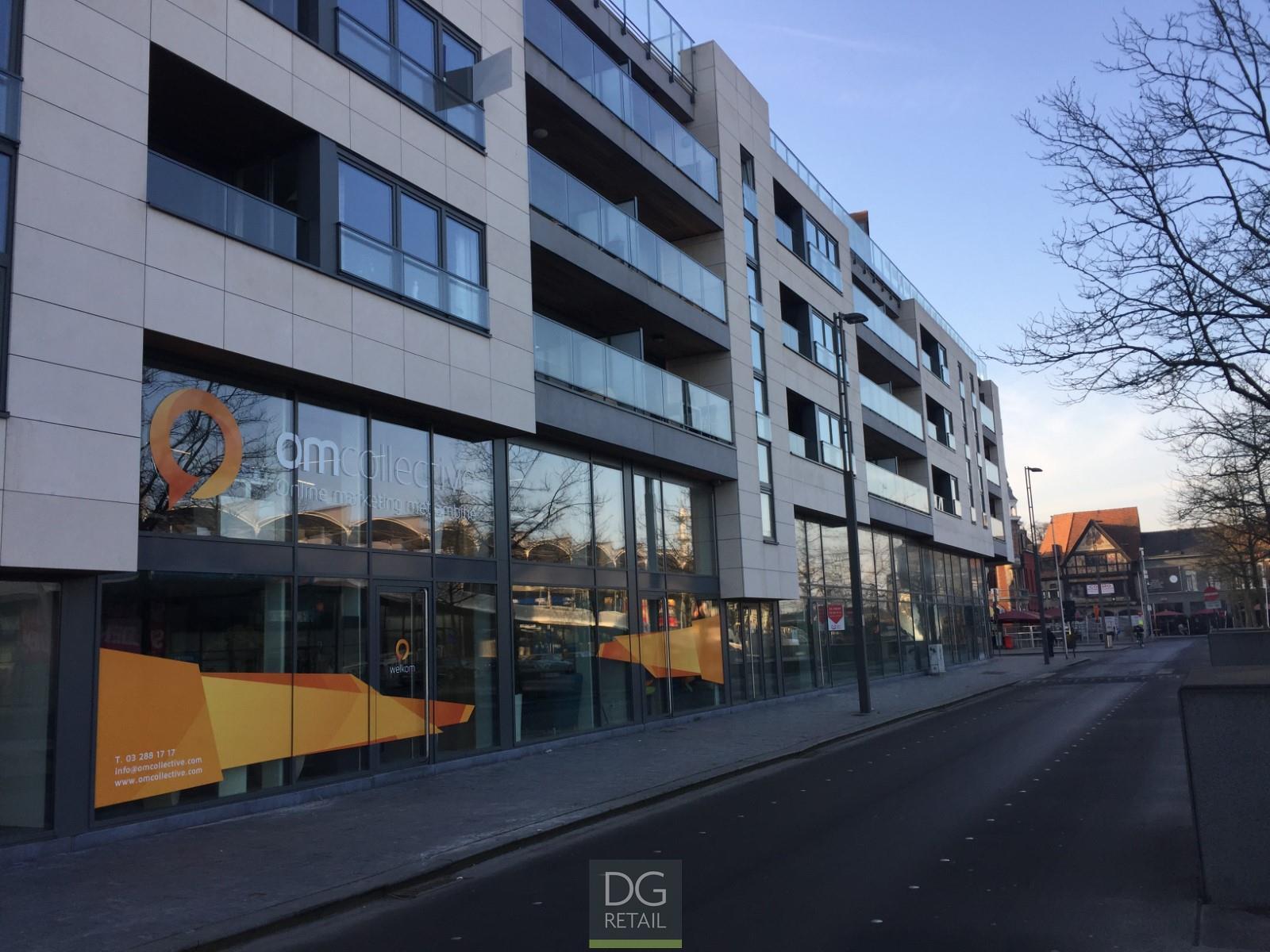 commercieel gelijkvloers te koop 'Plaza Express' (R1131)  - Stationsplein  , 9100 Sint-Niklaas, België 1