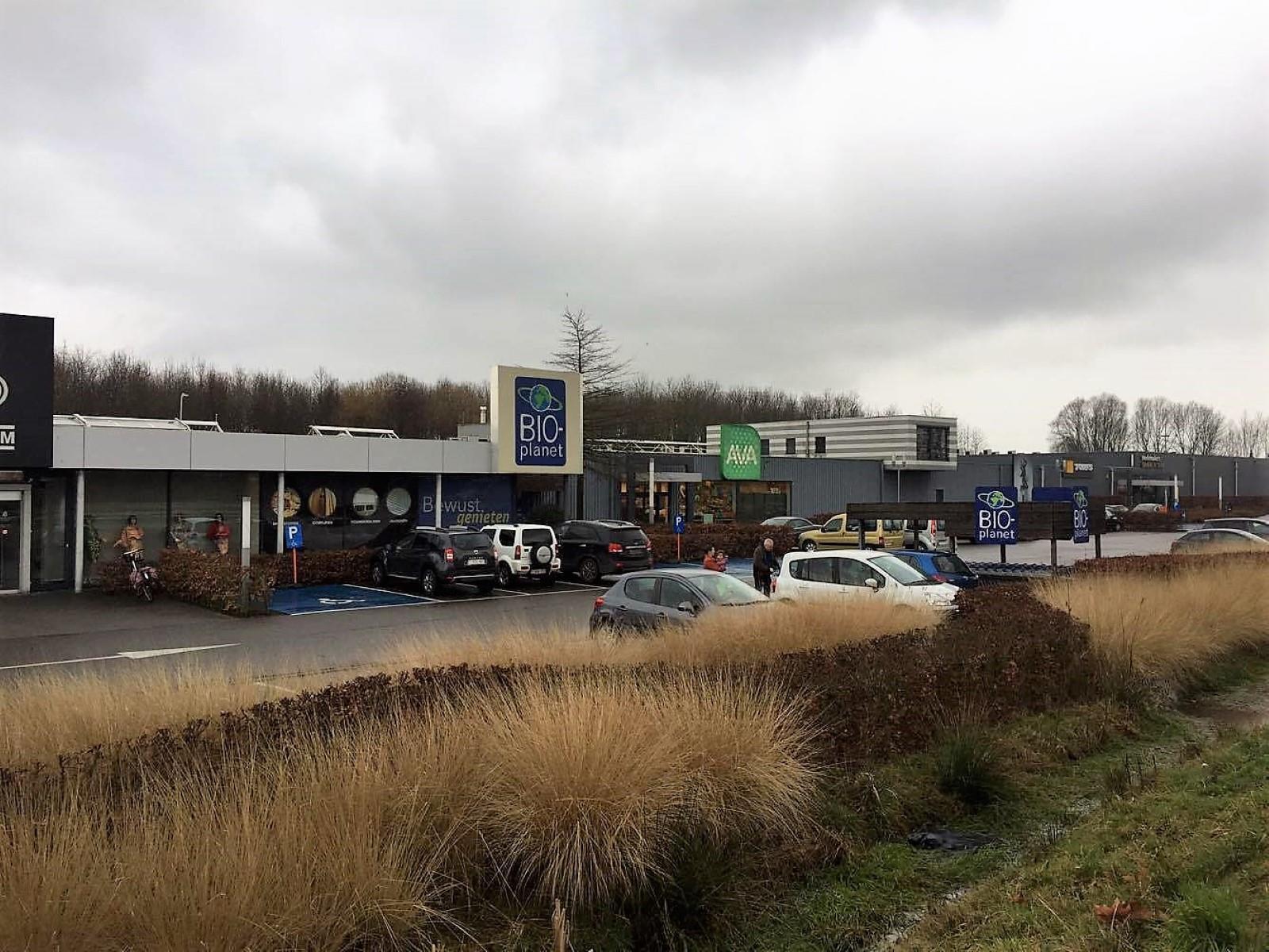 commercieel centrum te huur R1266 - Boomlaarstraat 309, 2500 Lier, België 1