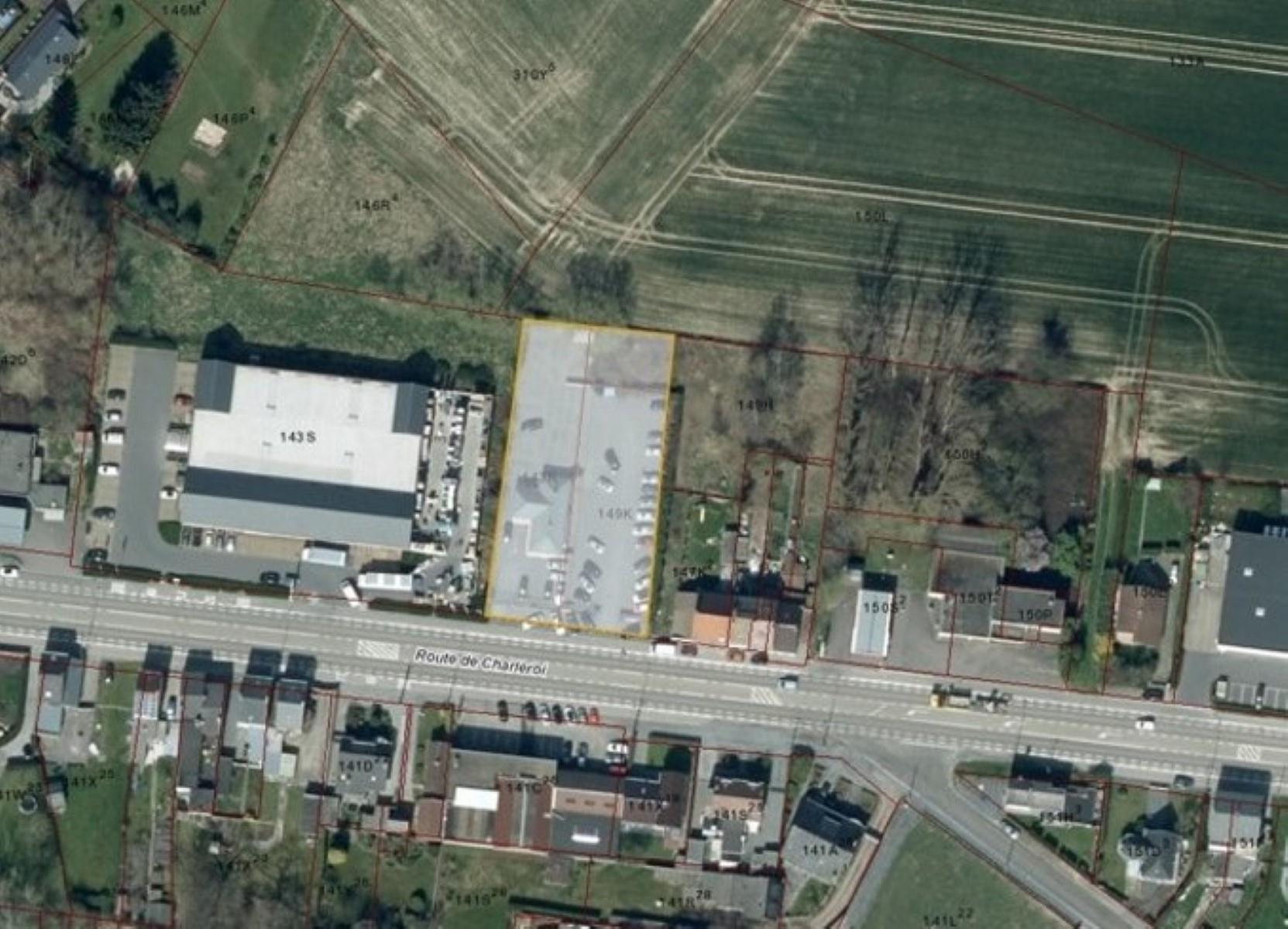 commercieel gelijkvloers te huur R1343 Route De Charleroi 138
