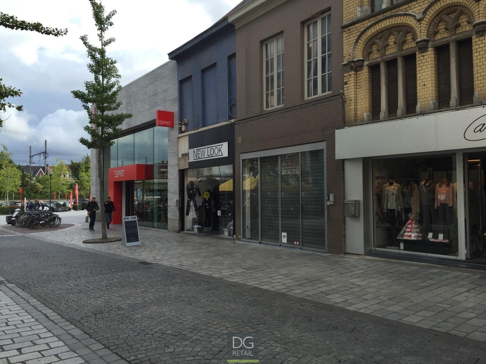 winkelpand te huur R1409 Ooststraat 136