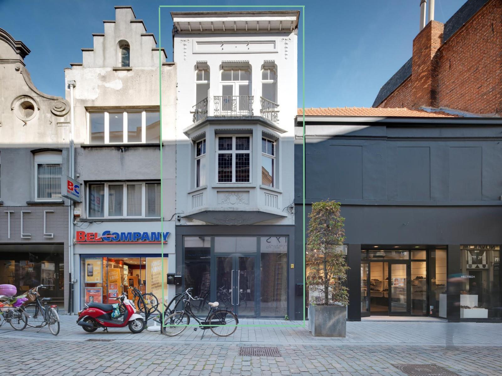 commerciële building te huur R1430 Antwerpsestraat 44