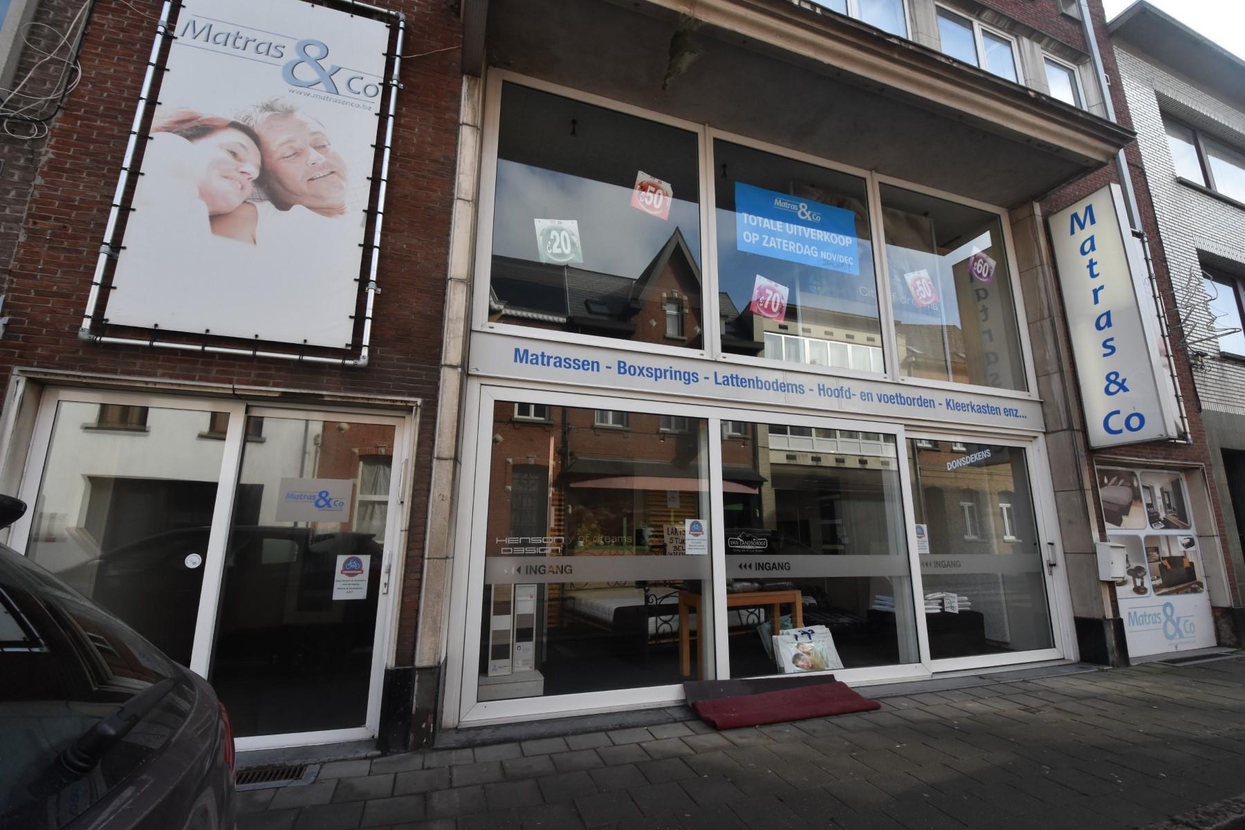 commerciële building te koop R1440 Antwerpsestraat 38