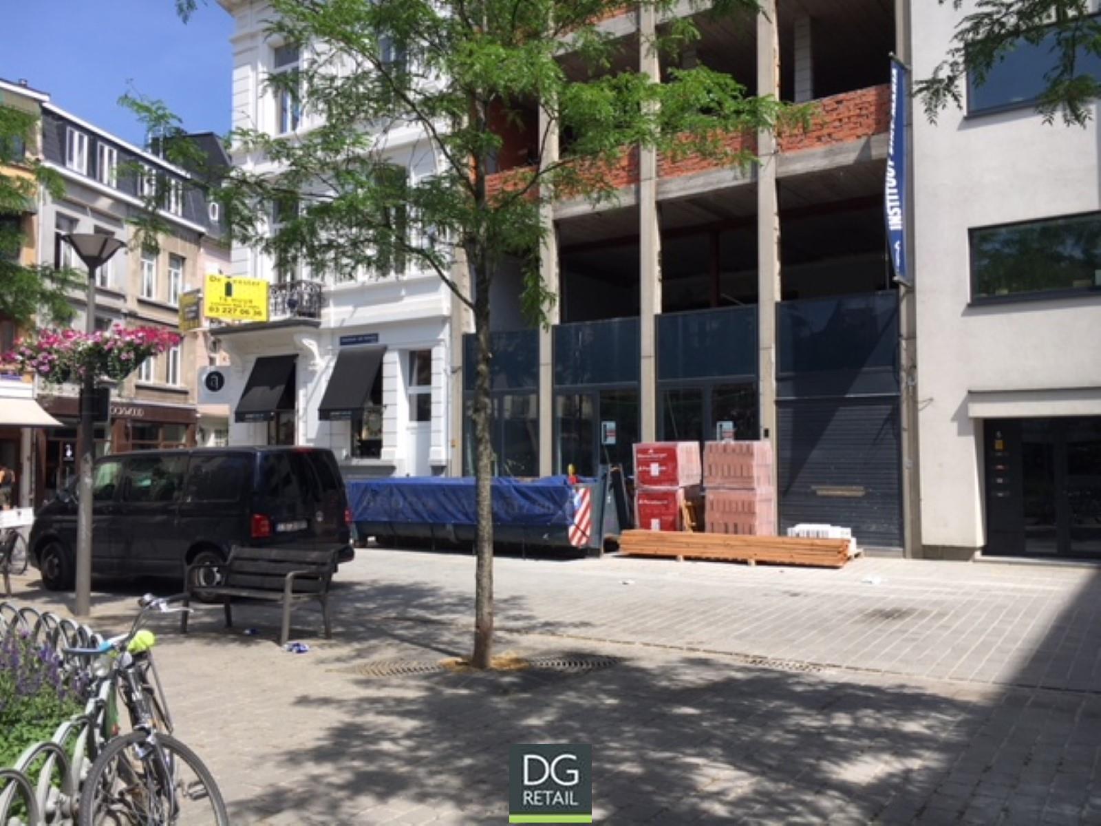 commercieel gelijkvloers te huur R1450 Theodoor Van Rijswijckplaats 4