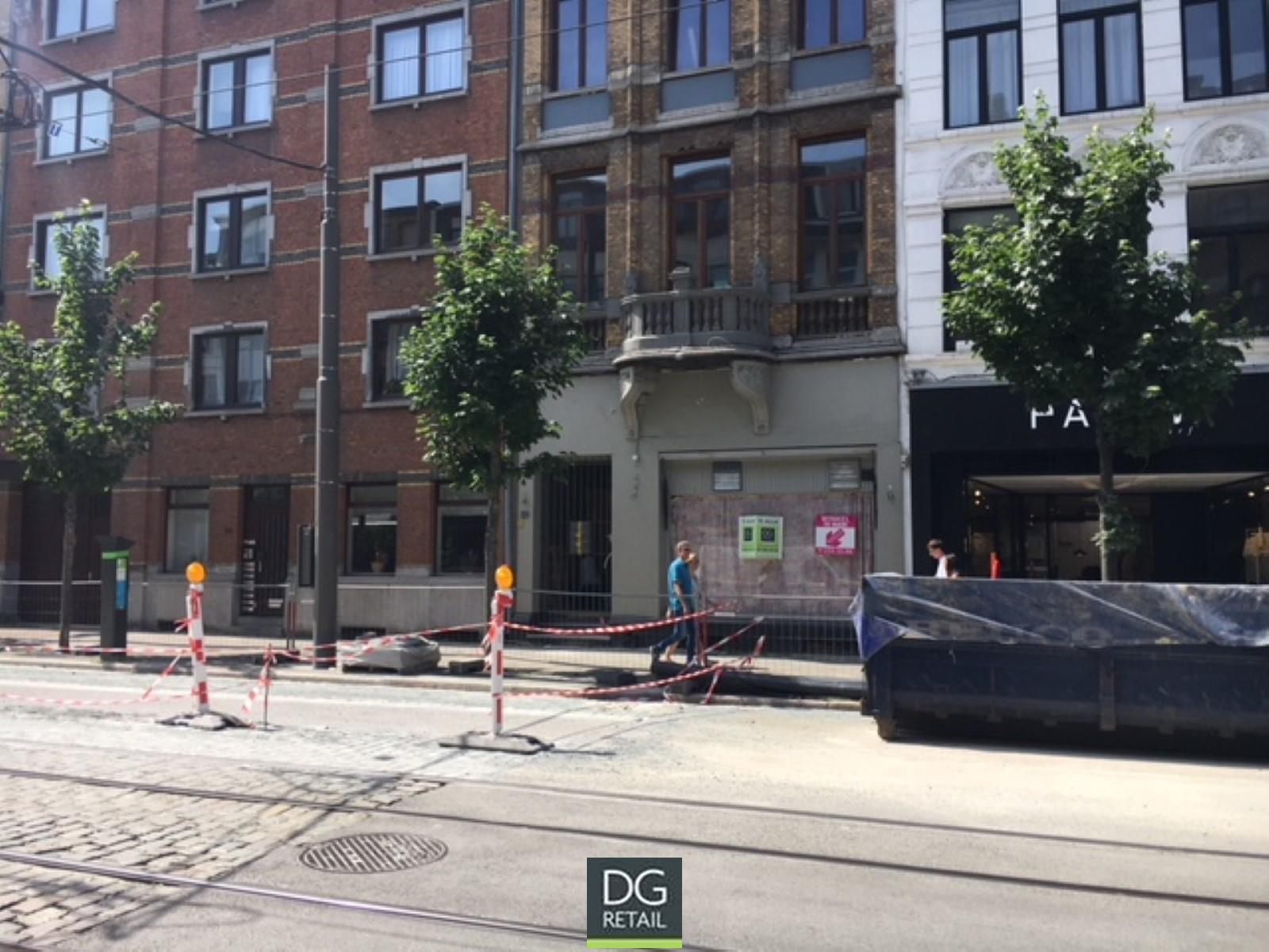 commercieel gelijkvloers te huur R1451 Volkstraat 20