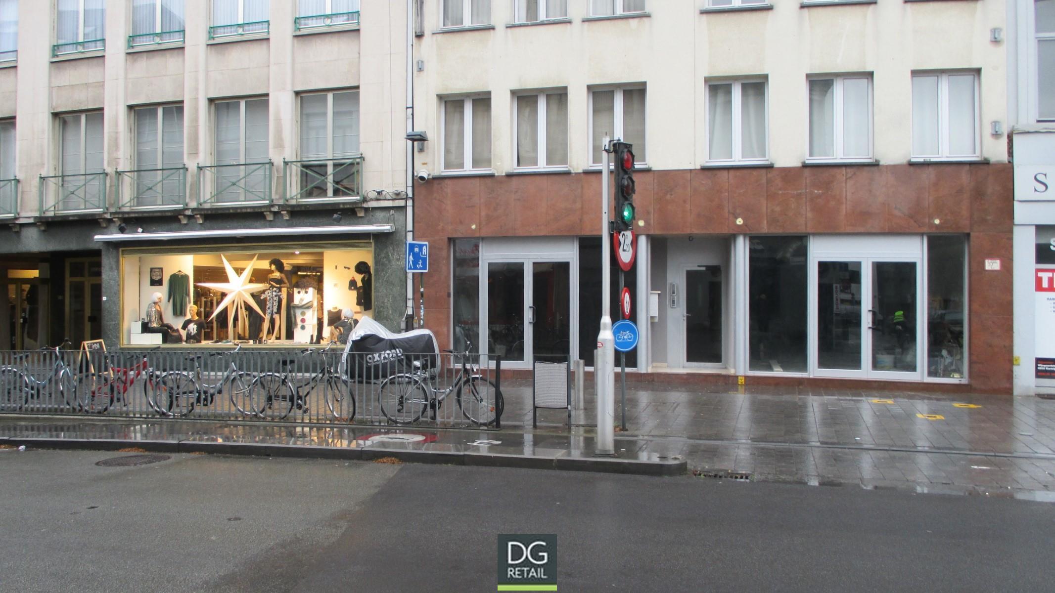 commercieel gelijkvloers te huur R1468 Doorniksestraat 44